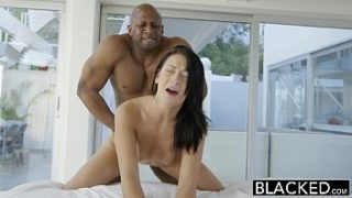 I fucked my daddy's milf business partner