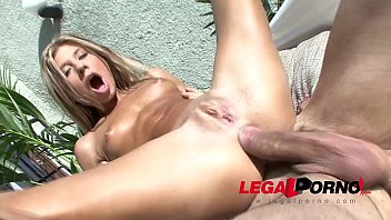 Xvidos Victoria Tiffany fucked hard in the ass under the sun